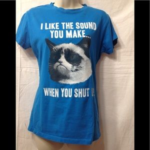 Junior's size Large funny cat shirt
